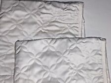 Nwot Set of 2 Standard Size Ivory Bed Pillow Sham w/ Tonal Floral Stitching
