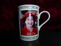 2002 Queen Elizabeth II GOLDEN JUBILEE PORTRAIT PRINT MUG Royal Memorabilia Ware