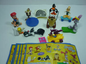 THE LOONEY TUNES SHOW COMPLETE SET OF 8 WITH ALL PAPERS KINDER SURPRISE 2012