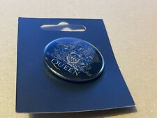 More details for queen 2007 official pin badge on limited card