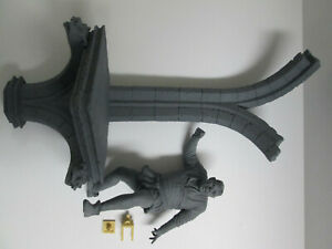 """GEOMETRIC DESIGN """"THE HUNCHBACK fron NOTRE DAME with WALL BASE"""" MODEL KITS"""