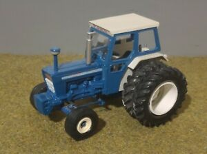 Britains Early Ford 7000 Tractor With Dual Wheels