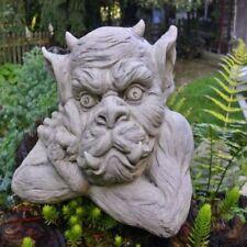 Große Gargoyle-Skulpturen