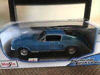 Maisto Special Edition 1:18 Scale Die-Cast Vehicle -