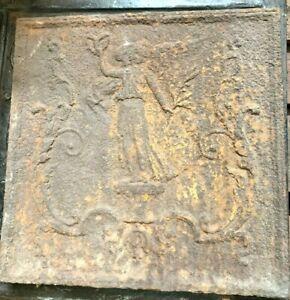 Plaque de fond de cheminée en fonte de fer XIX siècle
