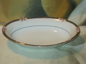 Hutschenreuther Selb Bavaria Gold Trimmed Oval Dish
