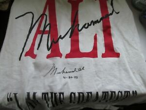 Muhammad Ali autograph large T-shirt I Am the Greatest