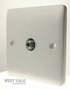 Legrand Synergy - 7300 41 - 1g F Type Screened Satellite Outlet New