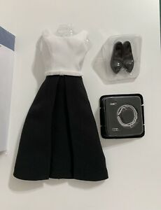 Franklin Mint Michelle Obama Vinyl Doll Ensemble Black White Visit to London COA