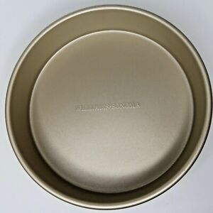 "Williams Sonoma Goldtouch Pro 9"" Round Cake Pan used in EUC"