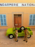 Citroen Mehari Gendarmerie Gendarme St. Tropez Louis de Funes Figur Diorama 1:18
