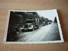Foto Transporter auf einer Straße  2 WK