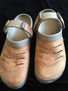 Mens Crocs With Suede Tops Size 10