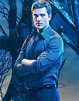 ERIC WINTER SIGNED 8X10 PHOTO AUTHENTIC AUTOGRAPH WITCHES OF EAST END COA