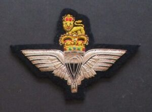Parachute Regiment blazer badge (Queen's Crown)