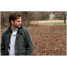 The Vampire Diaries Matthew Davis as Alaric Saltzman Outside 8 x 10 inch Photo
