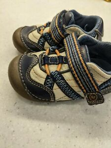 Stride Rite 4.5 Wide Baby Shoes Sneakers