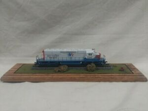 Athearn HO SOUTHERN PACIFIC OLYMPIC SD40-2 Locomotive #7347 on Wood display VTG