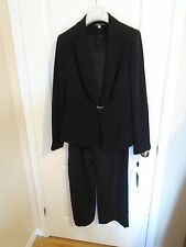 Women italian suit, high end, size 10 US, LIQUIDATION more than 75% off  no tax!