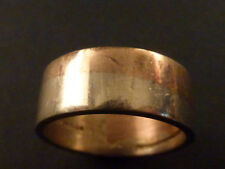 PRETTY 9ct BI-COLOUR GOLD WEDDING RING