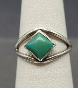 Vintage 925 Sterling Silver Ring With Turquoise  Size 5