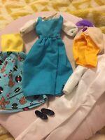 Barbie Disney Lot, Walt Disney Co. Barbie Pluto Dress, Belle Dress & Aladdin Bc4