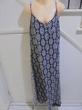 KATIES SIZE 20 BNWOT BLACK WHITE LINED SHOESTRING LONG DRESS