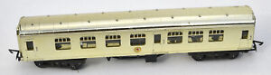 TRIANG TT COMPOSITE COACH IN GOLD FROM A KAY'S SET