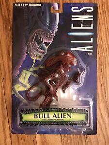 1996 Kenner Aliens Bull Alien Figure w/ Ramming Action