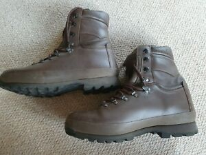 British Military Army Altberg Defender brown Leather Boots Combat 11W 112