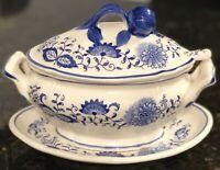Vintage Arnart BLUE ONION Gravy Sauce Boat Ceramic Made in Japan,  As Is.