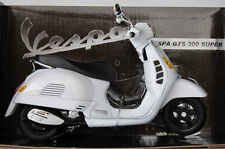 NEW RAY 1:12 DIE CAST VESPA GTS 300 SUPER BIANCA ART 57243