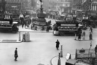 Piccadilly Circus 1925 Vintage Black and White Photo Art Print Poster 18x12 inch