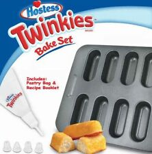 Hostess Twinkies Bake Set w/ Pastry Bag & Recipe Booklet NEW Twinkie Mini Cakes
