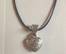 collier ciré noir 47 cm avec pendentif coeur 21x18 mm
