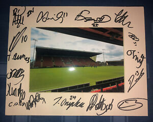 Crewe Alexandra FC 21/22 HAND SIGNED 10x8 MOUNT DISPLAY Signed By 17 Players C