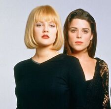 DREW BARRYMORE - WITH NEVE CAMPBELL !!!  COOL HEADSHOT PIC !!!