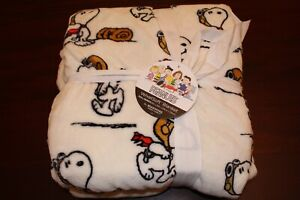 berkshire  peanuts snoopy blanket  full/queen 90x90 nwt WWI flying ace