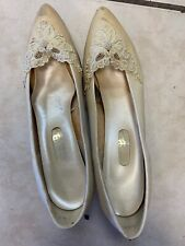 Vintage Dyeables Kitten Heels Size 9.5B Satin Jeweled Sequined  Pre Owned