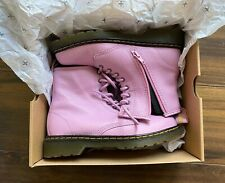 Girls Dr Doc Martens Air Wear UK 2 Boxed Delaney Pebble Lamper Boots Mallow Pink