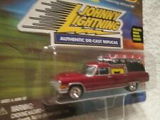 J L HAULIN HEARSE CADILLAC 97 JOHNNY LIGHTNING speed racers edge  1:64 maroon