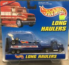 HOT WHEELS Long Haulers Transporter & Race Car Racing Team blue NIP