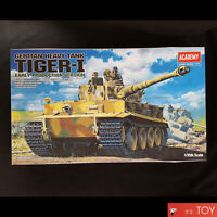 Academy 1/35 GERMAN TIGER-I EARLY VERSION Tank Plastic model kit WWII #13239