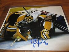 BOSTON BRUINS TIM THOMAS 8X10 AUTOGRAPH IN HOLDER WITH COA