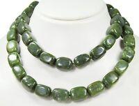 Schöne Halskette ausEdelsteinen Nephrit Jade in abgerundeter Prismenform 88 cm