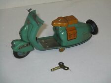 AE474 SCOOTER MIC M-I-C 1953 OYONNAX Tin Wind-up Scooter Vespa Motorcycle - RARE