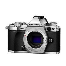 Olympus OM-D E-M5 Mark II  Gehäuse / Body B-Ware unter 200 Auslösungen silber