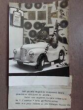 PHOTO DE PRESSE 1955 PARIS VITRINES GRAND MAGASIN JOUETS SUPERBE VOITURE AUSTIN