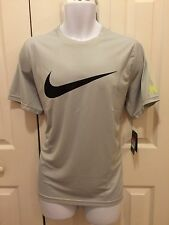 NIKE Men`s Practice Short Sleeve Tennis Top Grey