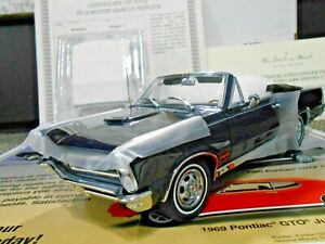 "Danbury Mint 1:24 1965 Pontiac GTO Convertible ""Nightwatch Blue"" *RARE*"